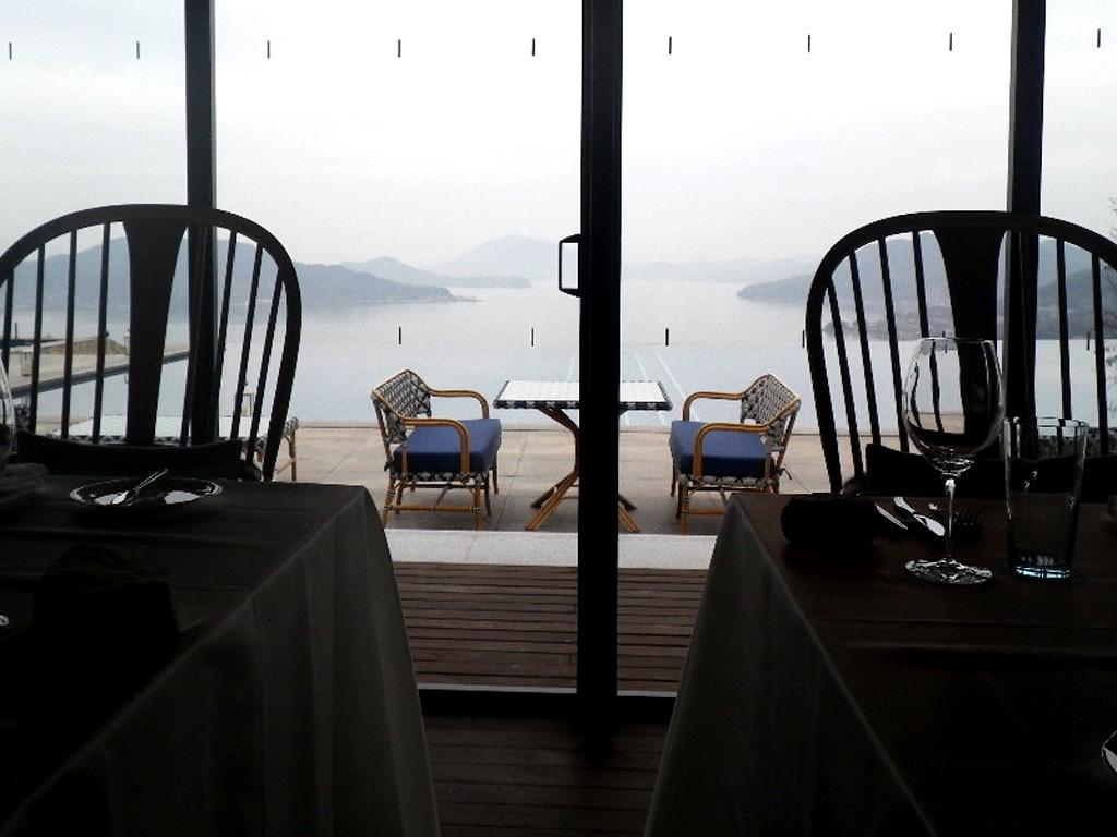 テーブル席からの景色