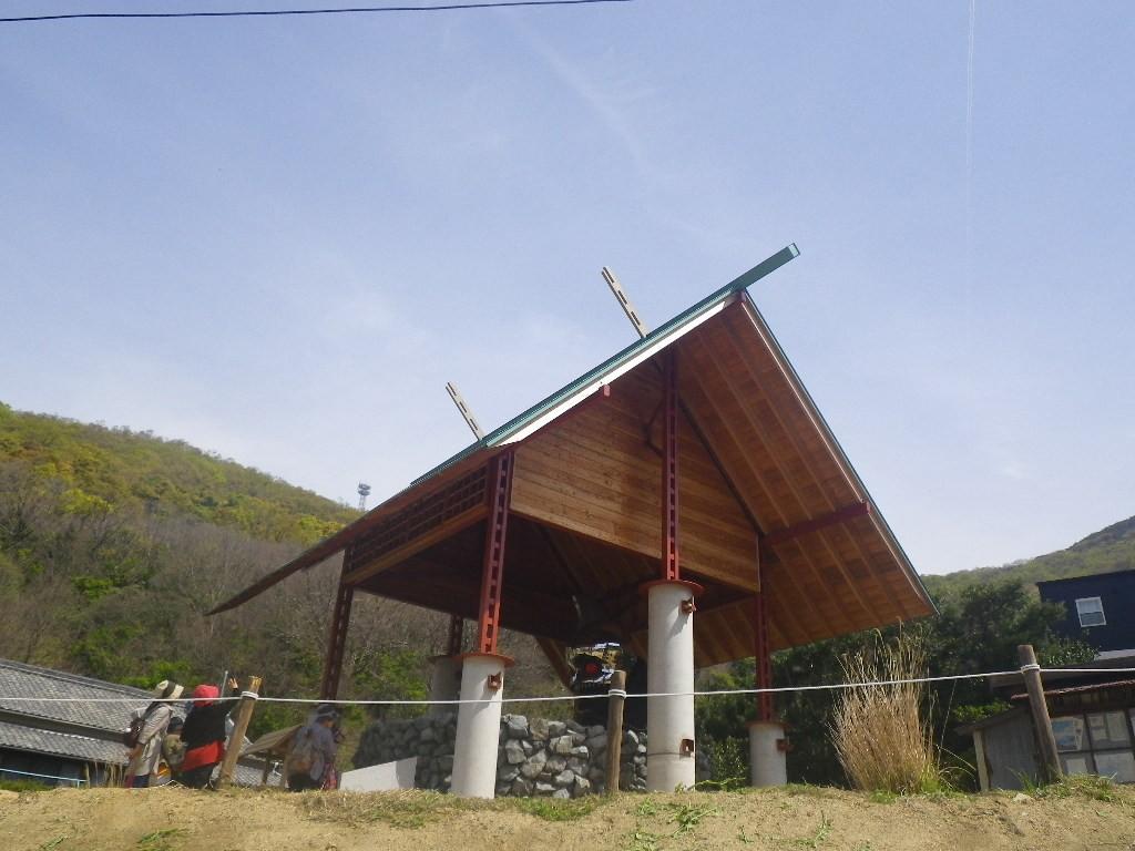 アンガー・フロム・ザ・ボトム美井戸神社