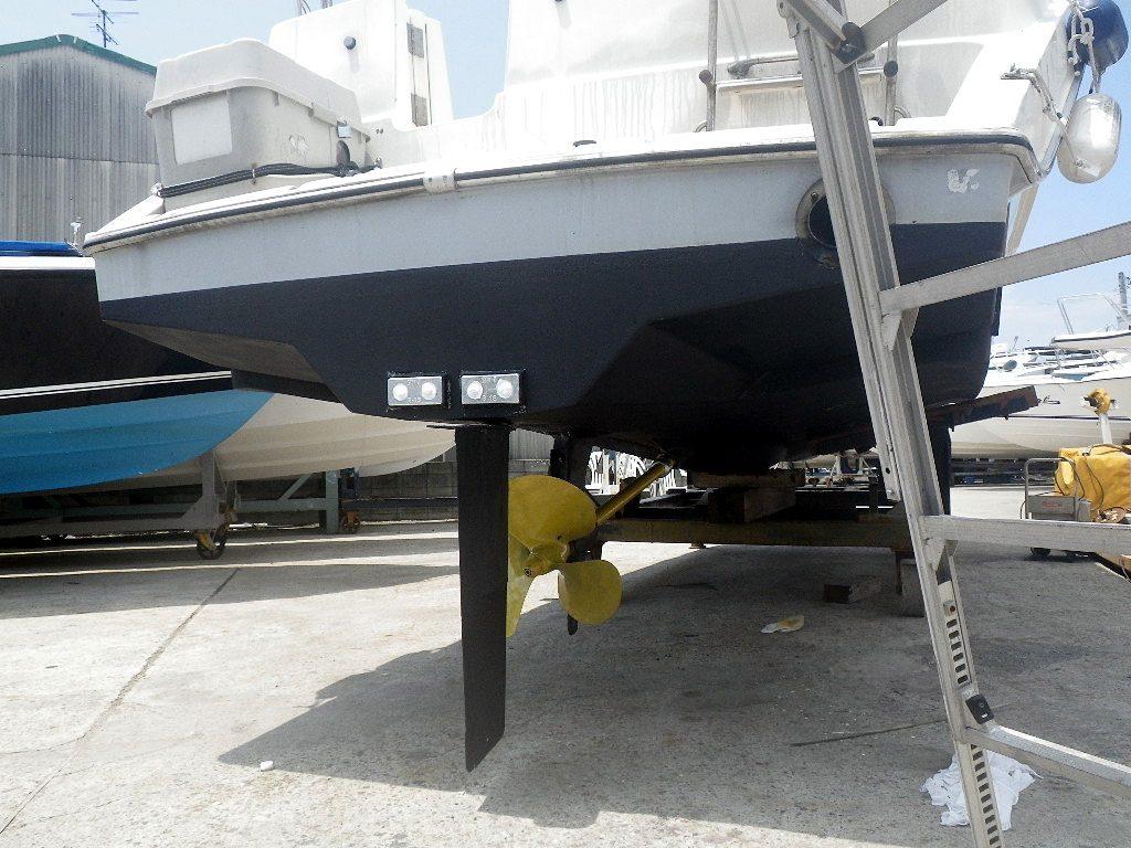 船の船底塗装