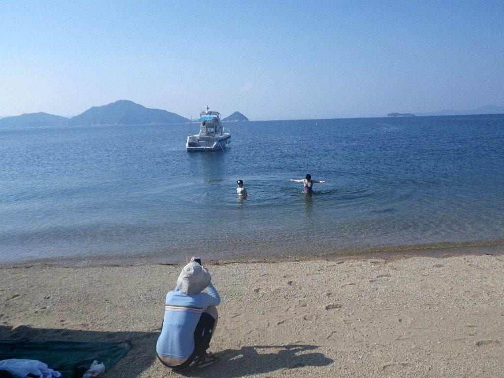 無人島で海水浴